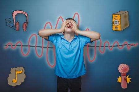 vómito: gritos muchacho adolescente echó la cabeza hacia arriba con los ojos cerrados manos una música de onda de radio sonido símbolo de boceto Foto de archivo