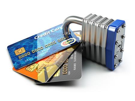 shopping: Pago seguro a Internet concepto de compras en l�nea .. Las tarjetas de cr�dito y candado. 3d