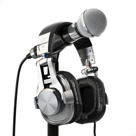 microfono de radio: Micrófono y auriculares aislados en blanco. Concepto de grabación de audio. 3d