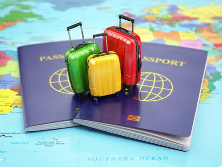 旅遊: 旅行或旅遊的概念。護照和行李箱在世界地圖上。 3D