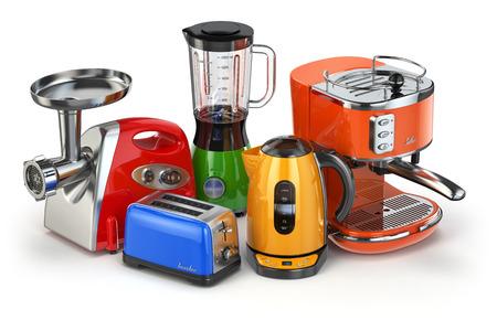 Keukenapparatuur. Blender, broodrooster, koffiezetapparaat, vlees ginder en een waterkoker op wit wordt geïsoleerd. 3d Stockfoto