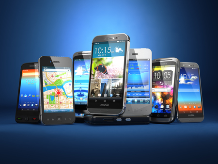 Elija teléfono móvil. Fila de los diferentes teléfonos inteligentes en el fondo azul. 3d Foto de archivo