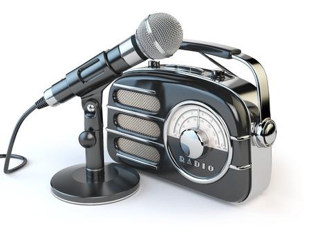 Vintage récepteur radio rétro et microphone isolé sur blanc. 3d illustration