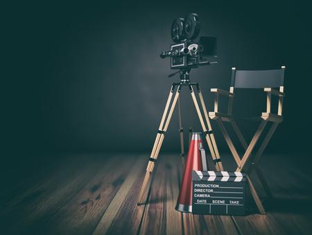 Video, film, bioscoop concept. Retro camera, klappenbord en regisseursstoel. 3d illustratie Stockfoto