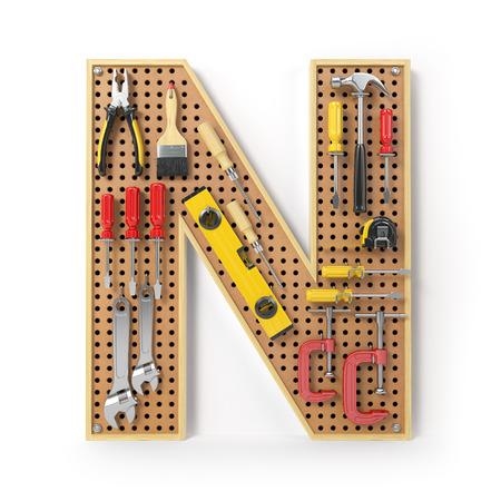 Buchstabe N. Alphabet aus den Werkzeugen auf dem Metall-Steckbrett isoliert auf Weiß. 3D-Illustration