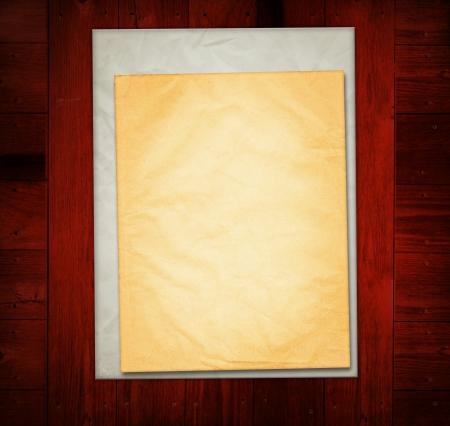 Vieux Papiers sur vieille table en bois Banque d'images - 13985792