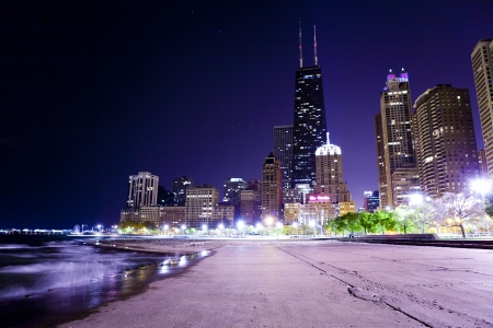 lake shore drive: Chicago Lake Shore Drive at Night
