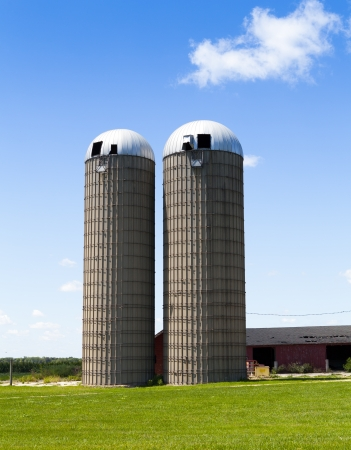 Silos on American Countryside Stock Photo - 14885882