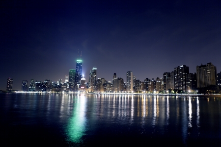 Night View On Chicago Skyline Stock Photo - 16126247