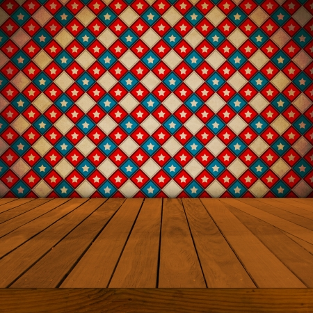 fondo de circo: Antiguo Superficie de la tabla con el papel pintado retro Foto de archivo