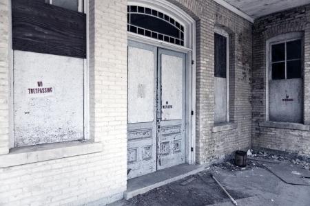 abandoned building Фото со стока