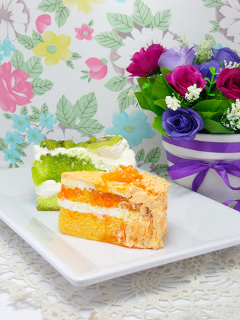 layer cake: orange and giwi layer cake