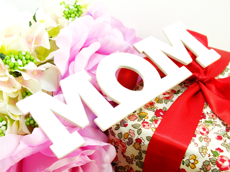 word text mom and flower bouquet mothers day concept Stock Photo