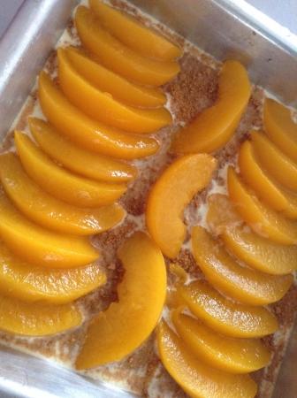 cream cake: Peaches and cream cake