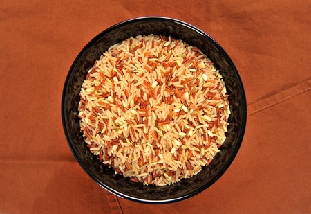 brown rice on bowl photo