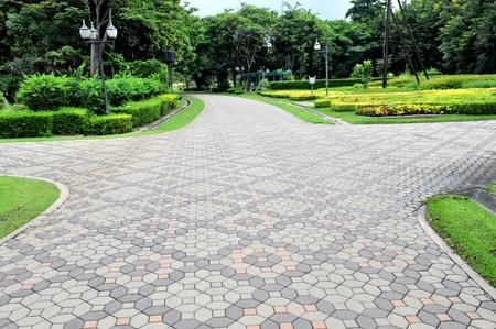 empedrado: Piedra vía en el jardín