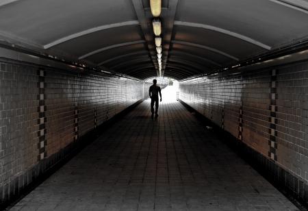 passageway: Tunnel