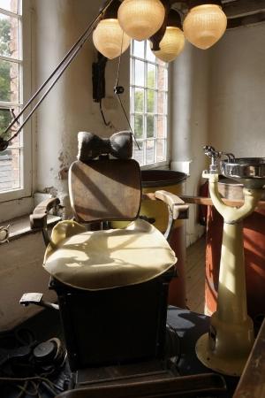 古いの歯科医の椅子
