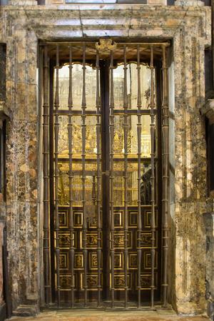 spanish homes: Very old brown doors