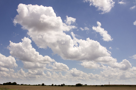 Beautiful blue sky with clouds in the Great Hungarian Plain Imagens