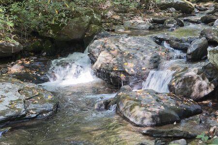 Anna Ruby waterfalls in Georgia, USA Foto de archivo - 133739429