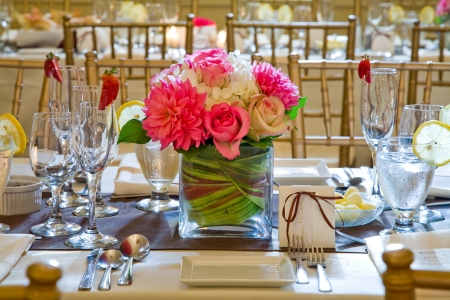 Wedding table decoration and floral centrepiece Stock Photo