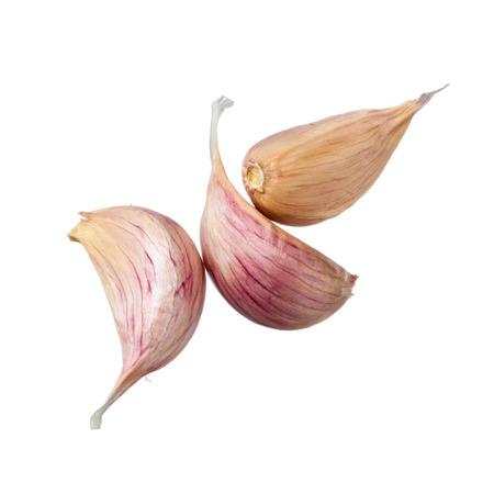ajo: Tres dientes de ajo aisladas sobre fondo blanco Foto de archivo
