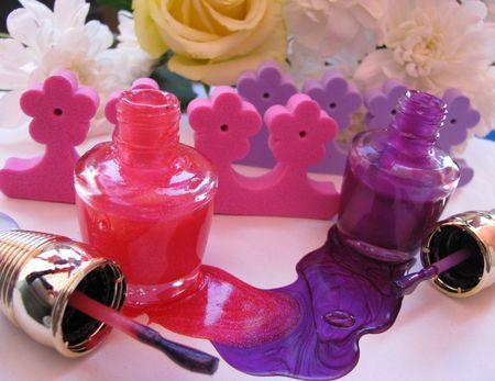 gust: nail polish
