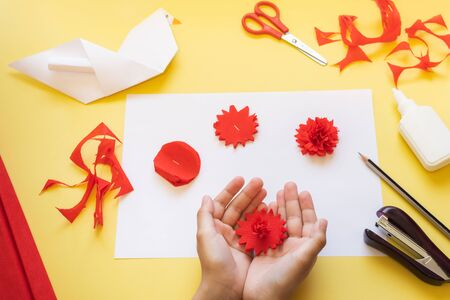 DIY instructions. How to make card with carnation flowers and origami dove at home. Card to Victory Day 9 May. Step by step photo instruction. Step 4. Squeeze the petals of a flower