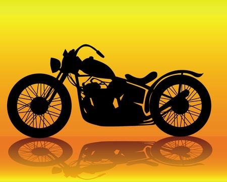 silueta moto: silueta de una vieja moto sobre un fondo naranja Vectores