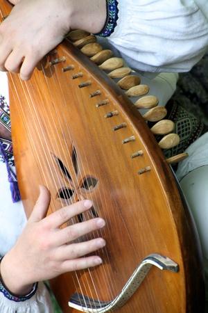 arpa: manos que se juegan el ucraniano bandura