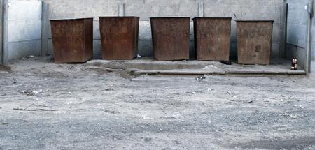 botes de basura: botes de basura para la recogida y reciclaje de basura