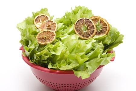 andijvie: Andijvie salade met schijfje sinaasappel
