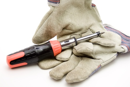 testify: Working gloves with screwdriver