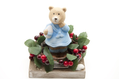 bear berry:  Teddy bear and berry rim on stone plate