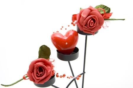 bougie coeur: Bougie de coeur avec des roses rouges