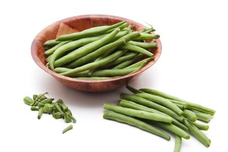 green beans: Jud�as verdes en c�scara de madera Foto de archivo