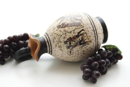 uvas vino: Jarr�n con uvas de vino