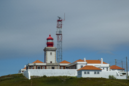 Cabo de Roca in Portugal The most western lighthouse of the Iberian Peninsula that dominates the Atlantic Ocean between cliffs Banco de Imagens