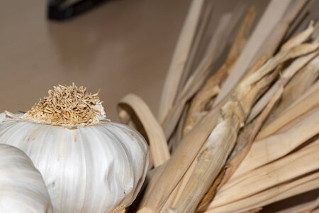 Close-up of a row of garlic. Excellent and obligatory complement to stew, fry, cook, cook and make other succulent culinary dishes.