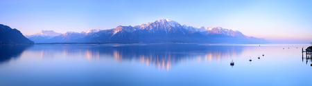 Zwitserland Landschap: Meer van Genève van Montreux bij zonsopgang