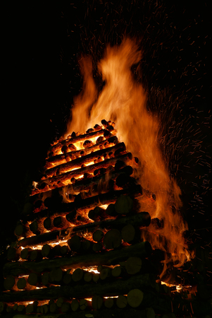 black giant mountain: Tradition big torch Abbadia San Salvatore