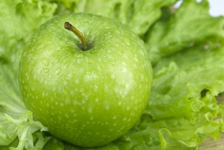 Zielony firmy apple na saÅ'ata Zdjęcie Seryjne - 9279150