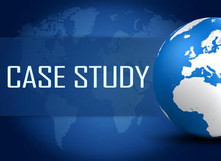 estuche: Concepto del caso de estudio con el globo en el mapa del mundo de fondo azul