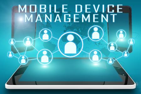 모바일 장치 관리 - 소셜 아이콘 및 태블릿 컴퓨터와 시안 색 디지털 세계지도 배경에 모바일 휴대폰 텍스트 그림 스톡 콘텐츠