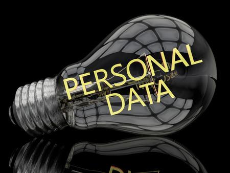 datos personales: Datos Personales - bombilla sobre fondo negro con el texto en �l. 3d ilustraci�n.