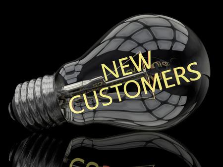 Nuevos clientes - bombilla sobre fondo negro con texto en él. Ilustración de procesamiento 3D. Foto de archivo - 40883548