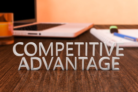 competencia: Ventaja competitiva - letras en el escritorio de madera con el ordenador portátil y un cuaderno. 3d ilustración.
