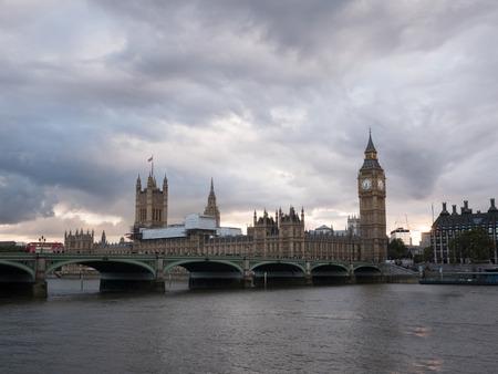 Westrminster bridge and Big Ben in background