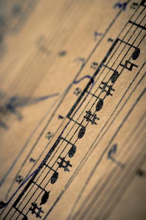 Gros plan sur le piano score et des notes de musique classique et vieux papiers Banque d'images